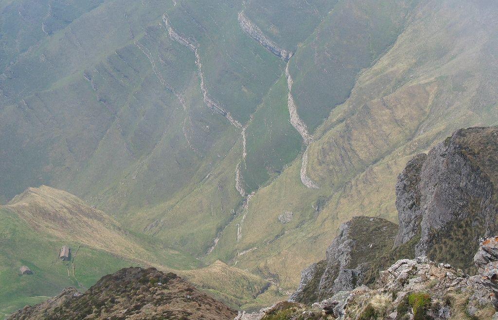 09 Cabañas de Lelsa 700 metros más abajo