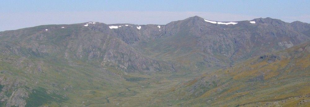 El valle del Rio Tera recoge sus aguas del Pico Trevinca y de Peña Negra.